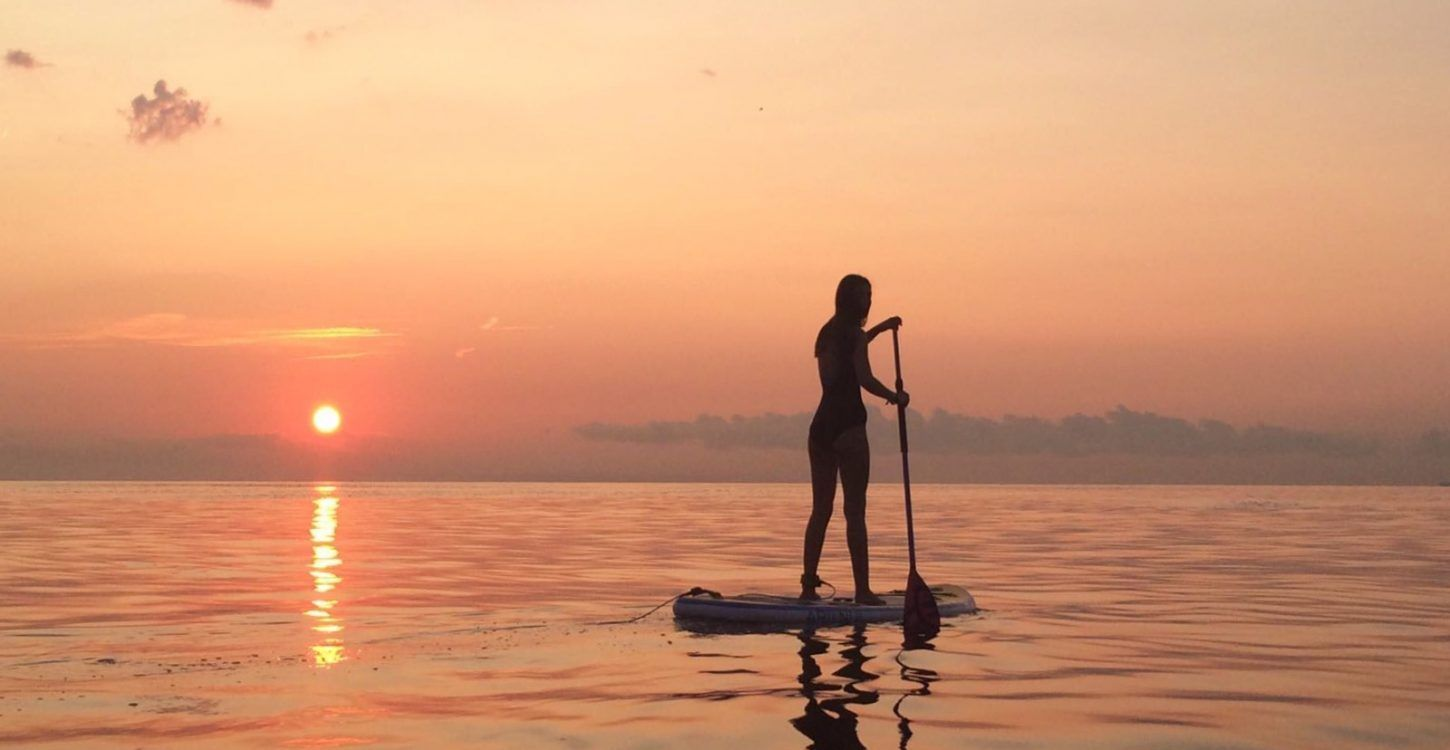 MANIHI SURF BARCELONA SUNRISE SUP